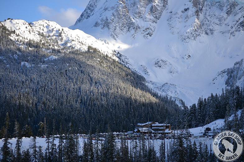 White salmon lodge, Mount Baker