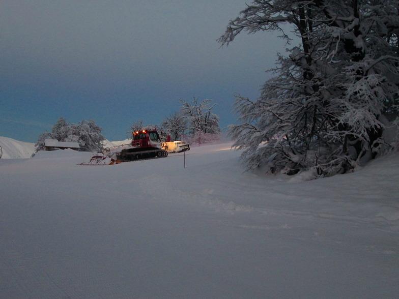 preparando pistas, Nevados de Chillan