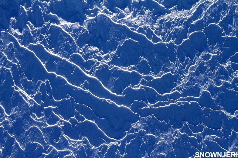 Frosty snow lines, Popova Shapka