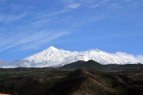 Mount Teide Ski Resort by: vitolo
