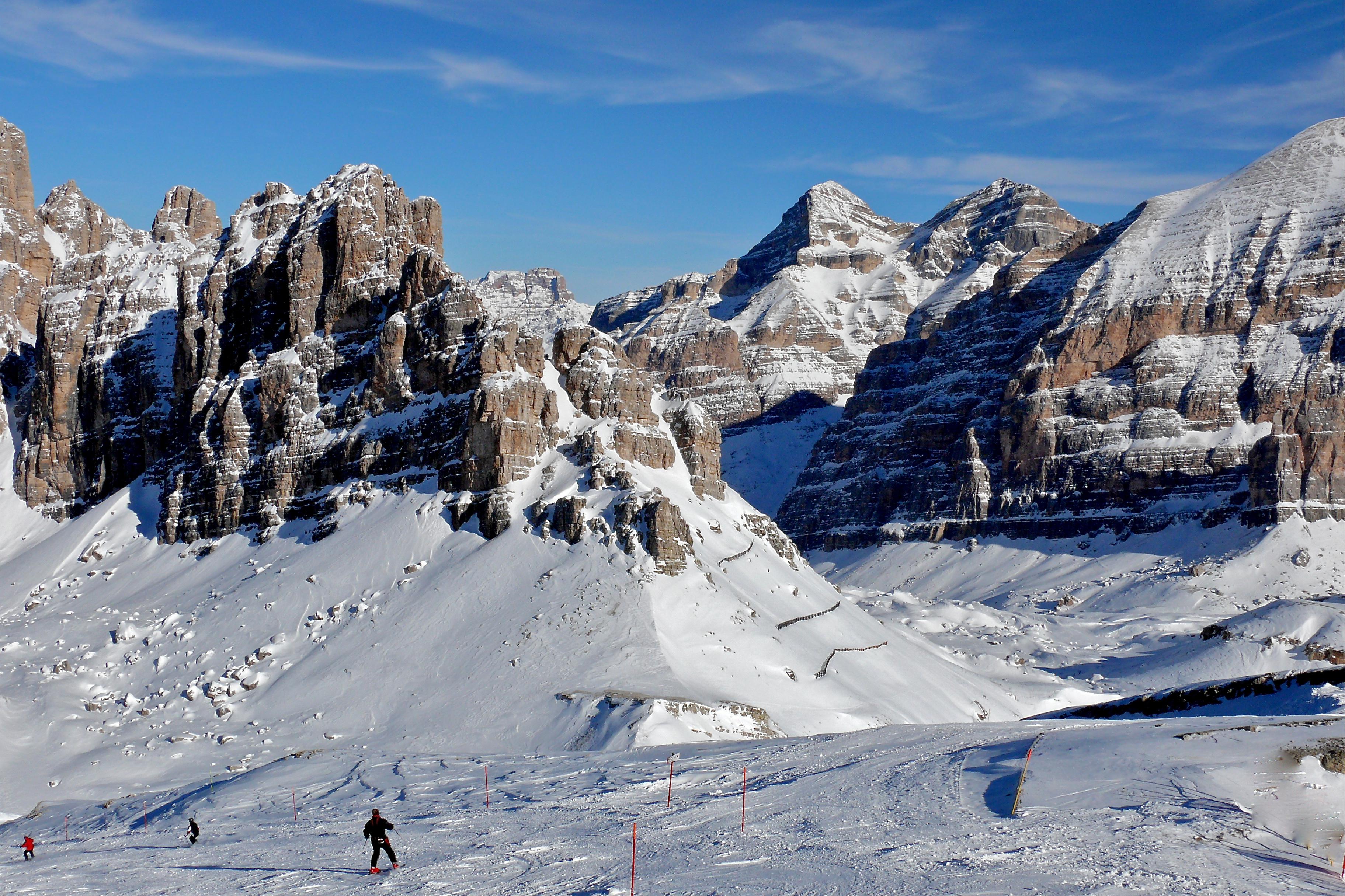 PERFECT SCENERY - PERFECT SKI RUN, Cortina