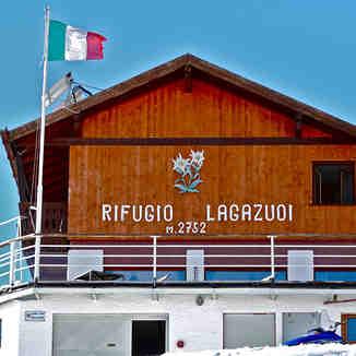 RIFUGIO LAGAZUOI    -     2.752 m, Cortina