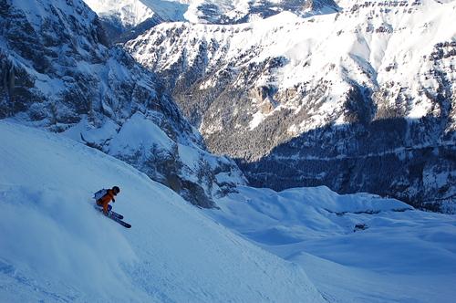 Malga-Ciapela/Marmolada Ski Resort by: giulio verdecchia