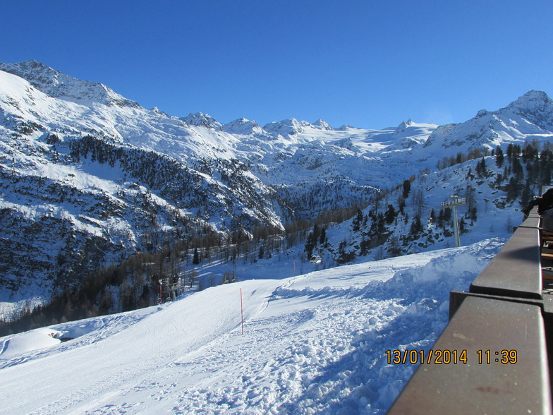 Lunch time view at Amouval - La Thuile