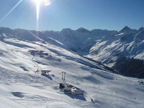Klosters Ski Resort by: Graham Cluer