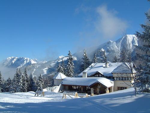 Seefeld Ski Resort by: rogerfarley