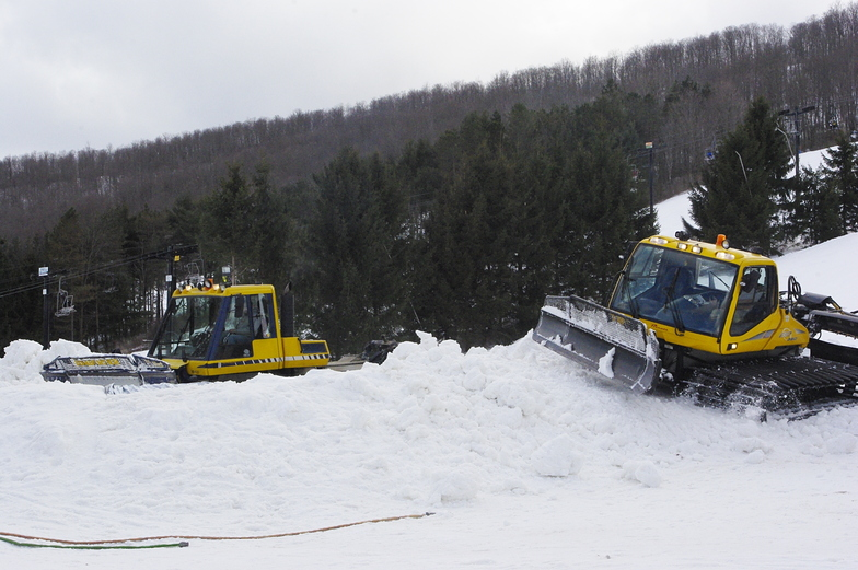 Snow Cats at Work, Toggenburg Mountain