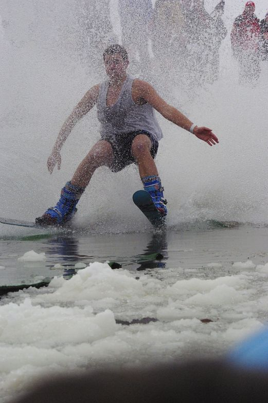 Pond Skimming Success, Toggenburg Mountain