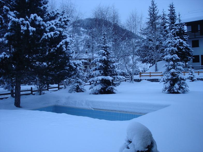 Brrrrrrr........icy dip, La Thuile