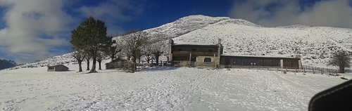 Picos De Europa Ski Resort by: sanfer