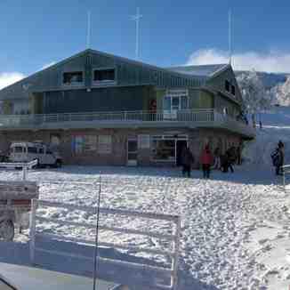 Manzaneda's resort command station