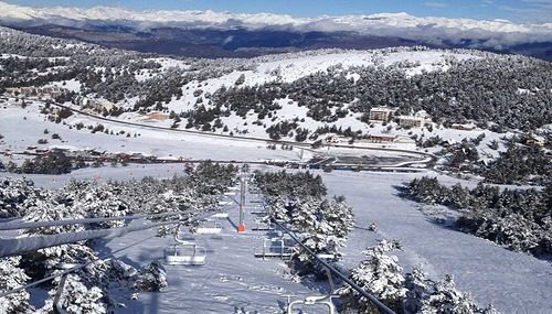 Gréolières Les Neiges Ski Resort by: christine pouplard