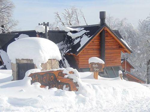 Las Pendientes Ski Resort by: Inaki Amor