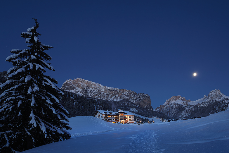 Evening moon, Val Gardena