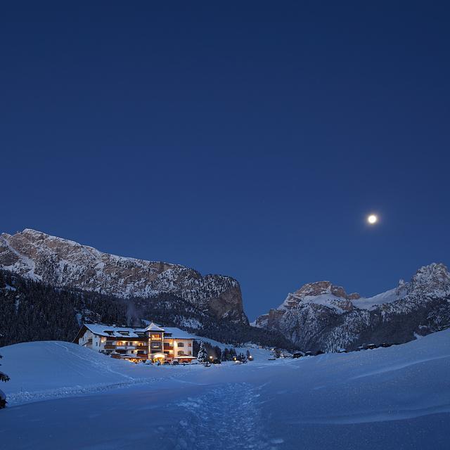 Evening moon, Selva Val Gardena