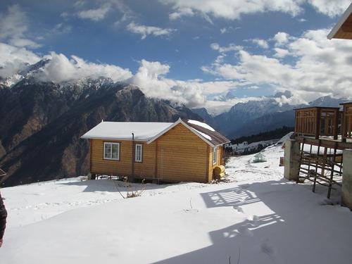 Auli Ski Resort by: skg