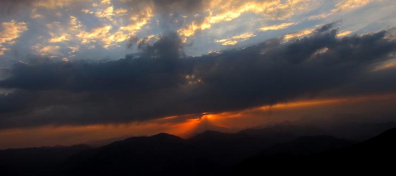 منظرۀ طلوع آفتاب از قلۀ توچال, Tochal