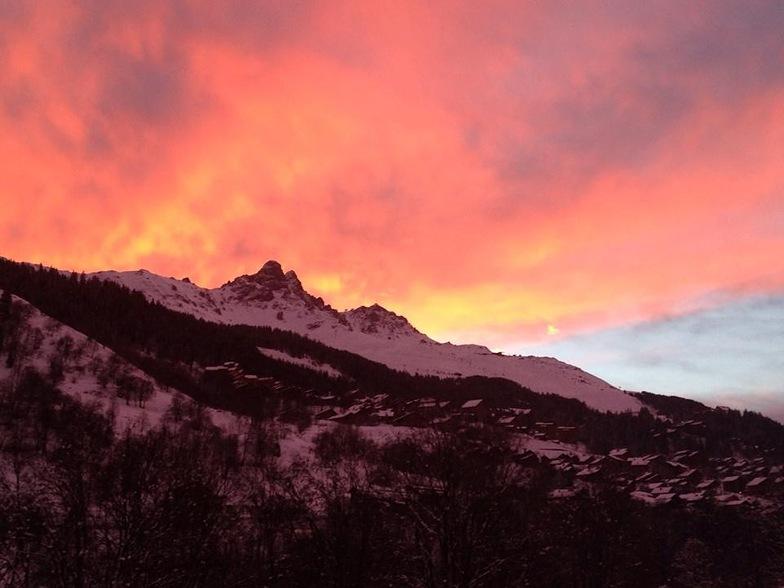Sunrise over Meribel, Méribel
