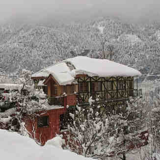 Leo Rose Bell Villa Shuru Road, Himalaya Heliski