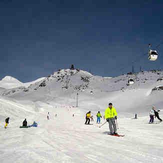 "Route ""Mir-Krugozor"" sunny day, Mt Elbrus"