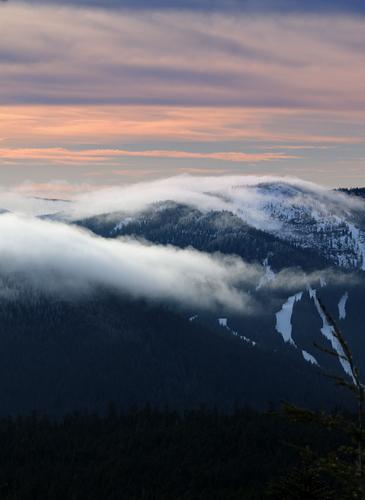 Mt Hood Ski Bowl Ski Resort by: Jerry Griffith