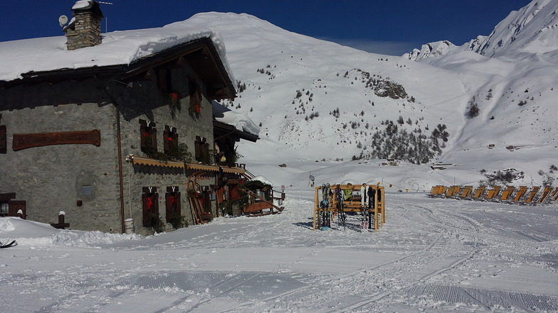 A beuitiful little place on the way into La Thuile, La Rosière