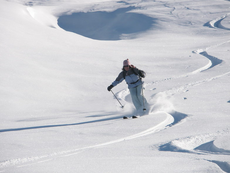 10th Jan. 09  Nicola sking Malanser Alp on tour with Tony, Davos