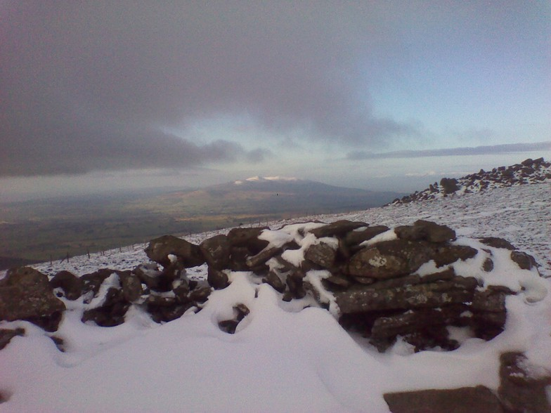Snowy slopes of Knocknafallia and Knockmealdown from Seefin summit., Seefin (Monavullagh)