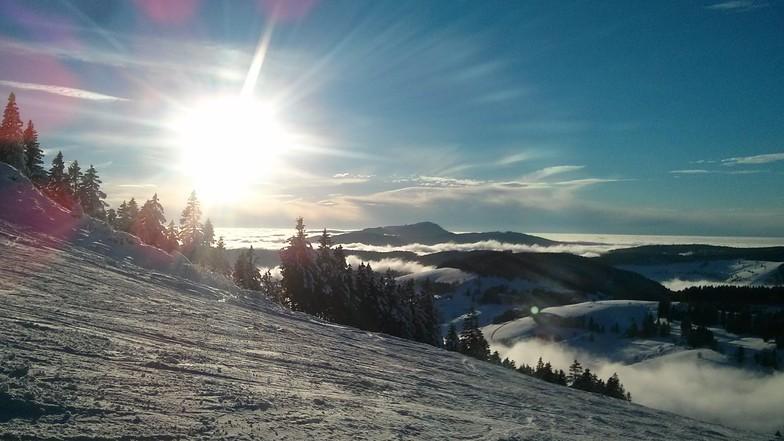 Sonnenschein Schnee und Hochnebel, Todtnauberg