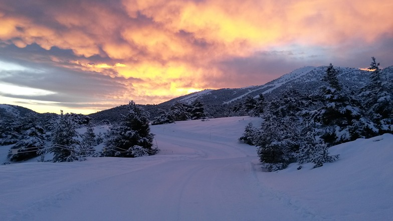 """Sunrise on the """"CHeiron""""  from nordic area, Gréolières Les Neiges"""