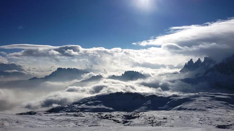 Sole e nebbie, Passo San Pellegrino