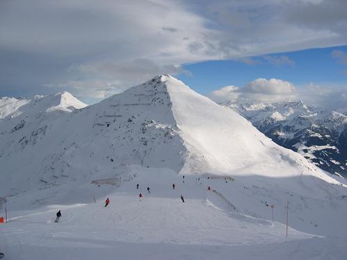 Hochzillertal-Kaltenbach Ski Resort by: Stefan