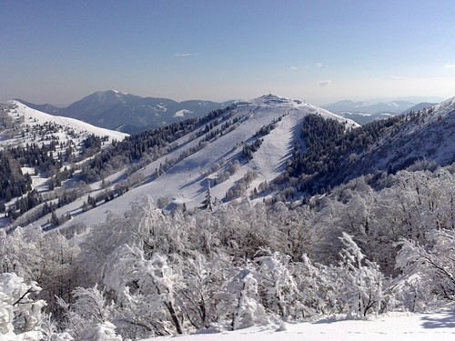 Soriska Planina Ski Resort by: miha glumpak