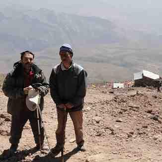 در راه فرود از قله دماوند, Mount Damavand