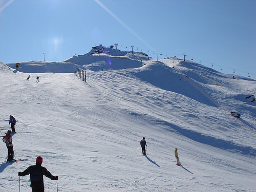 Coronet Peak Ski Resort by: Byung Chun,Moon