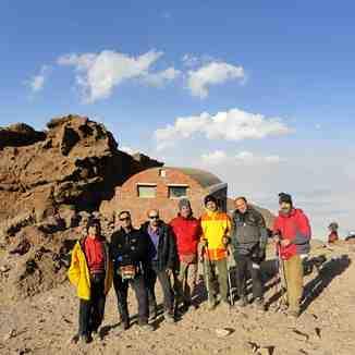 پناهگاه تخت فریدون ارتفاع4400 متر دماوند, Mount Damavand