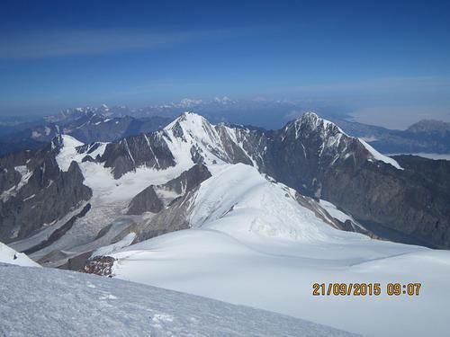 Mount Elbrus Ski Resort by: r.khodaverdi
