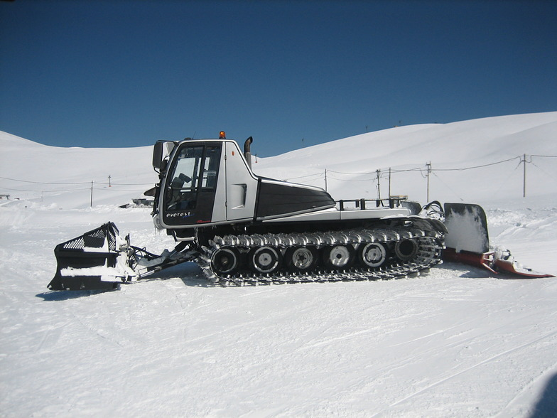 New prinoth everest at Falakro 21 march 2015, Falakro Ski Resort