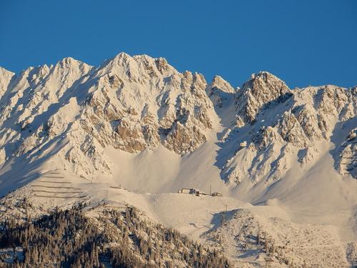 Nordkette Ski Resort by: Bernhard Schlechter