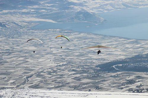 Mt Voras Kaimaktsalan Ski Resort by: nikolaos tsiranidis
