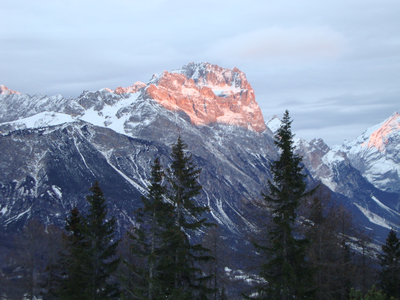 waiting for the last cabin, Cortina