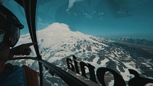 Mount Elbrus Ski Resort by: Александр Тушев