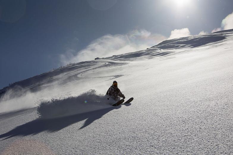 Skiing in the sky, Kamchatka