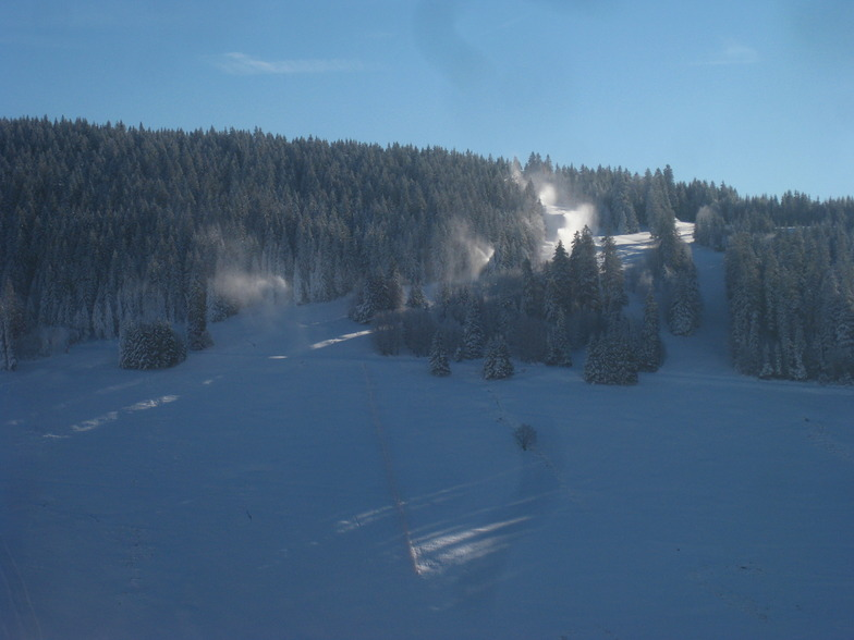Snowmaking during a cold day, Todtnauberg