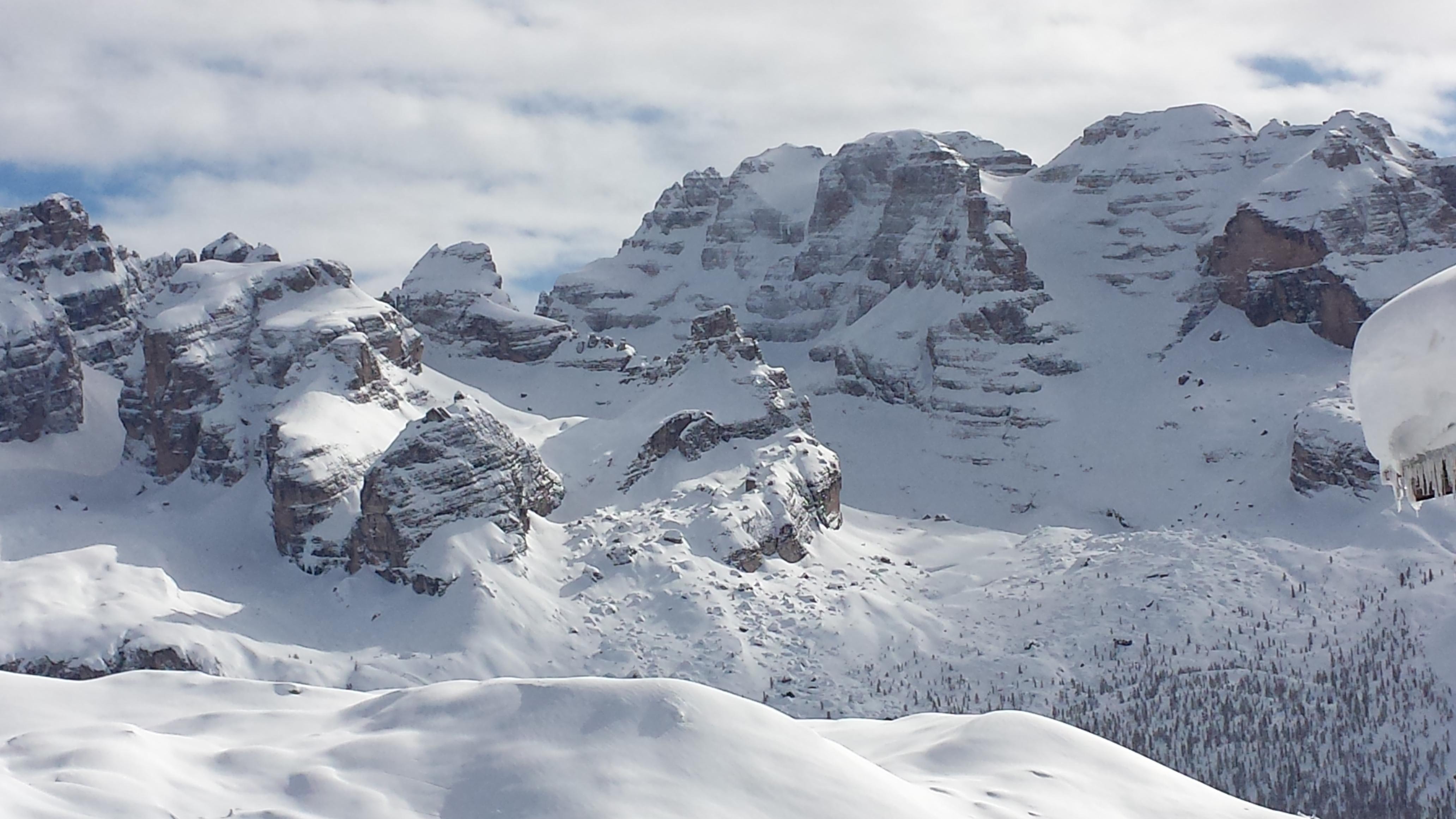 Dolomiti mountain scenery, Madonna di Campiglio