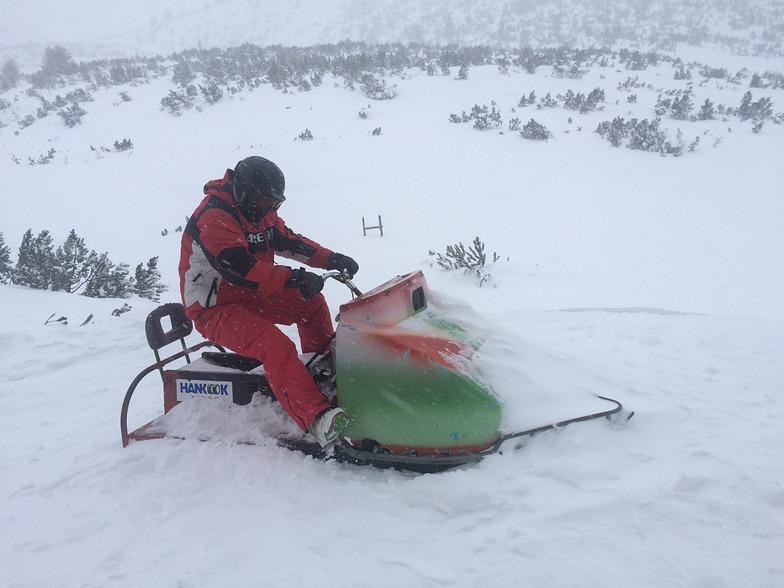 Hidja Bezbog, Bezbog Ski Centre