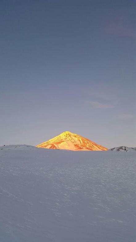 Climbing Mount Damavand by Arak flight in winter 2016