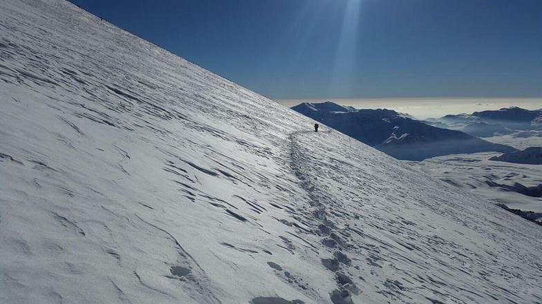 Climbing Mount Damavand by Arak flight in winter 2016 - mehdi ghasemi- hamid ahmadi