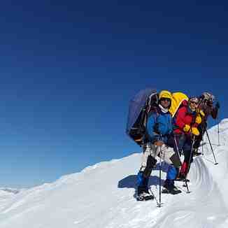 Bivouac by my friend Mr. Mehdi Ghasemi, Hamid Ahmadi and his wife on the climb to the Damavand Extreme cold in the winter at the peak of more than 50 degrees Western route Damavand in winter after 30 years was required by them, Mount Damavand
