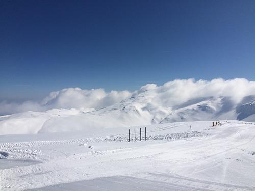 Mount Parnassos Ski Resort by: John Loukopoulos